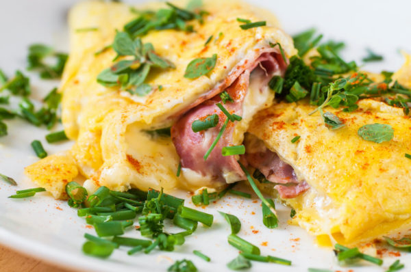 Omelette ham and cheese